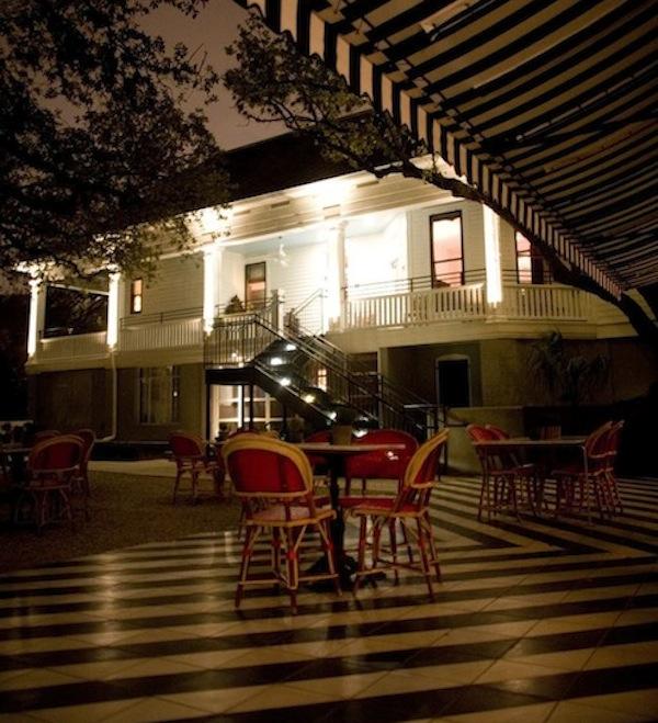 Hotel Saint Cecilia, front entrance